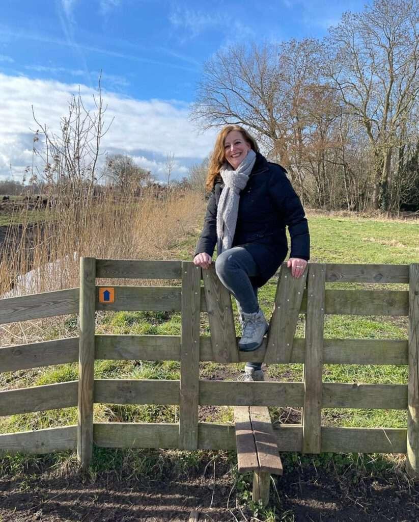 Over het hek 2